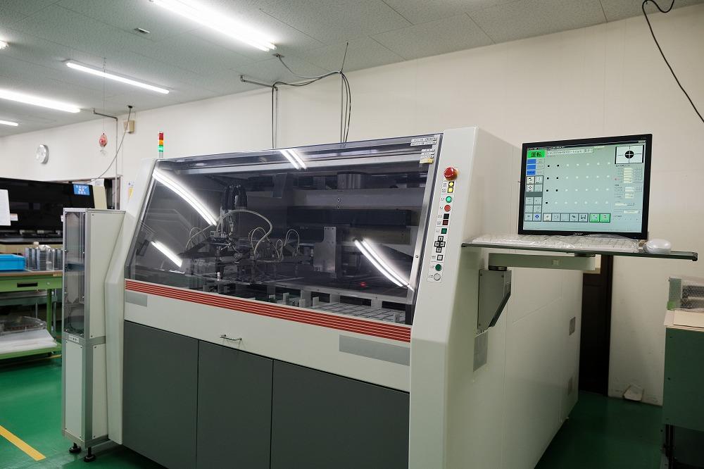 プレス加工の機械