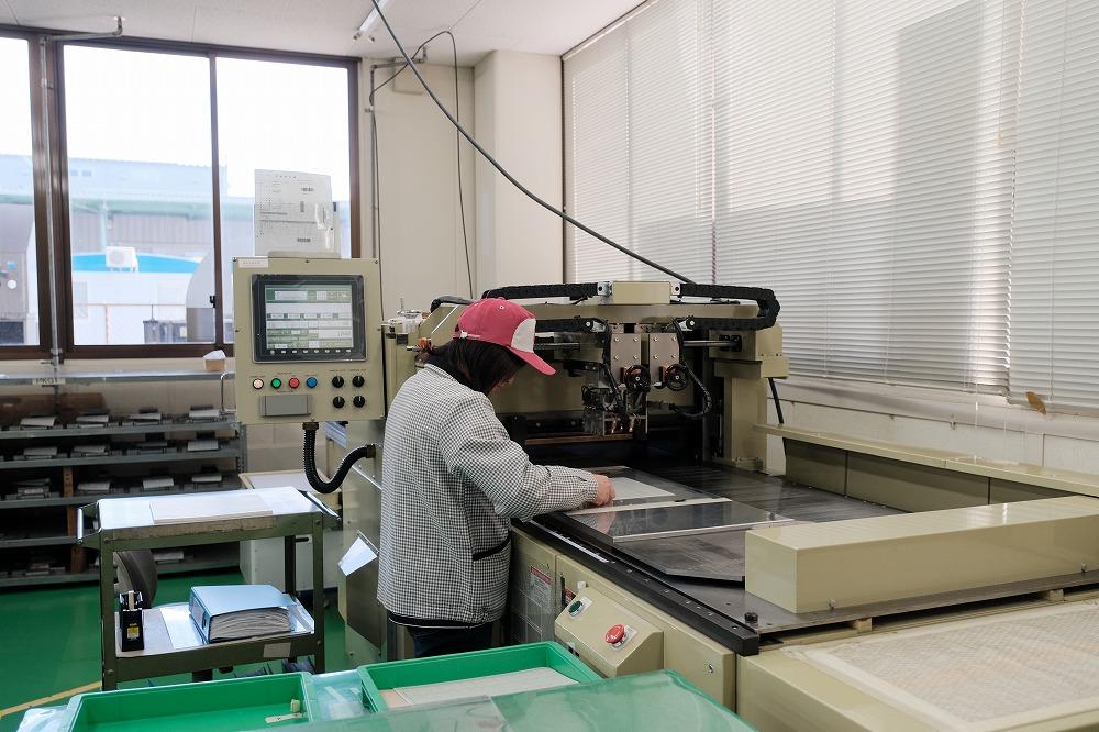 トムソン加工の機械